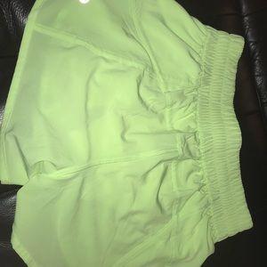 Lululemon green running shorts 💚